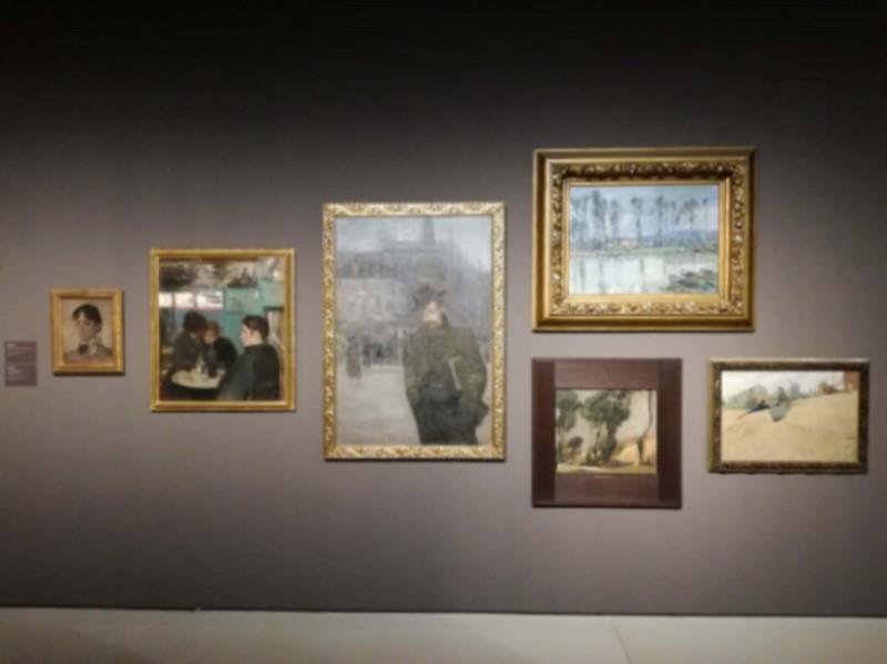 The Museu Nacional d'Art de Catalunya moodsa kunsti ekspositsioon