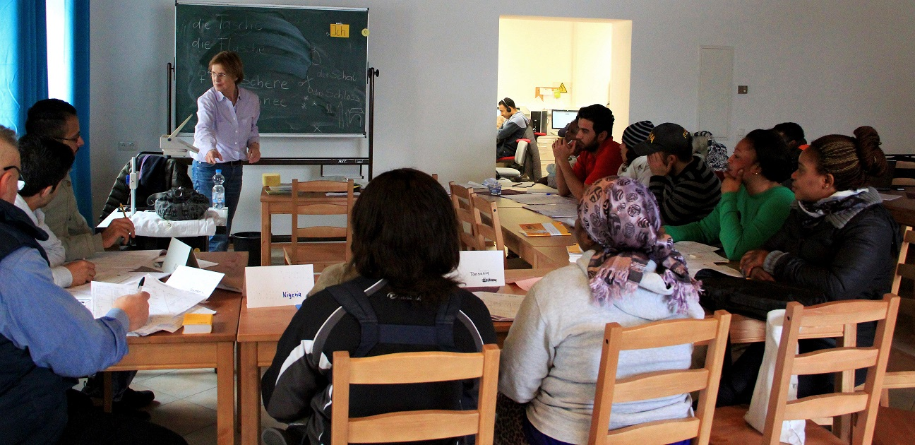 Deutschkurs und Selbstlernen nebeneinander im Computerzentrum in Bad Tölz