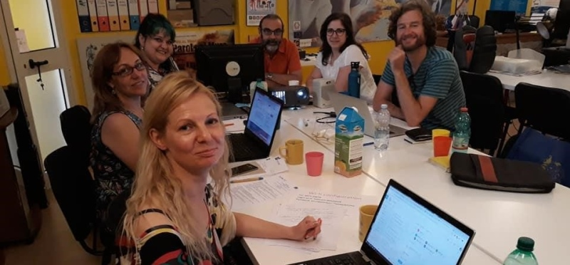 Simona working with a group