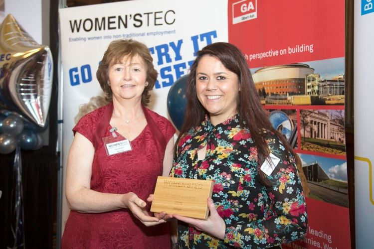 Leanne, joinery student of the year 2016