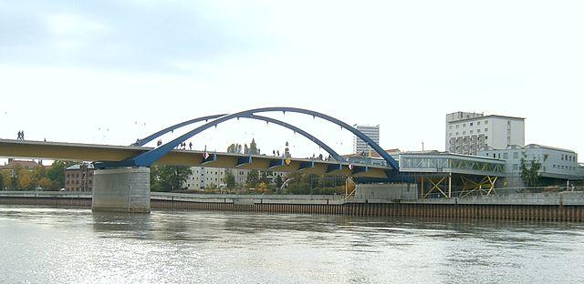 Brücke über die Oder bei Frankfurt(Oder) und Slubice von Ralf Lotys (cc-by)