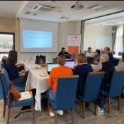 Usposabljanje strkovnjakov, ki delajo z osebami z motnjami v duševnem razvoju