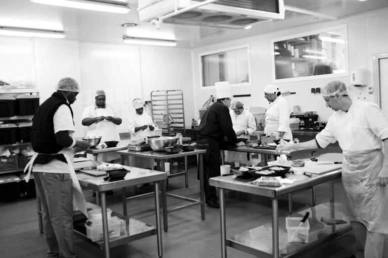 REPORTAGE : LA TABLE DE CANA GENNEVILLIERS LA QUALITÉ AU SERVICE DE L'INSERTION »