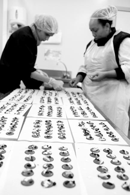REPORTAGE : LA TABLE DE CANA GENNEVILLIERS LA QUALITÉ AU SERVICE DE L'INSERTION » Photographies et texte Virginie de Galzain